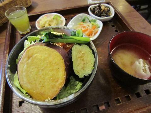 地鶏の甘辛玄米丼