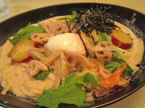 水菜ときんぴらの豆乳カルボナーラ