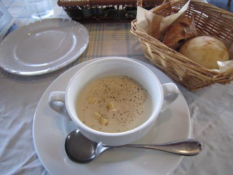 スープ&パン2コ