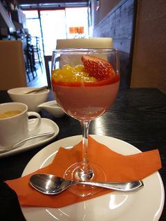 苺ムースinワイングラス