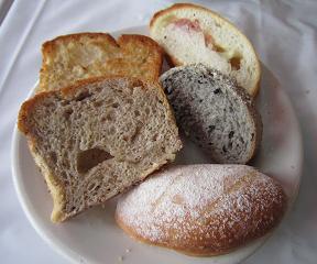 パン2皿目