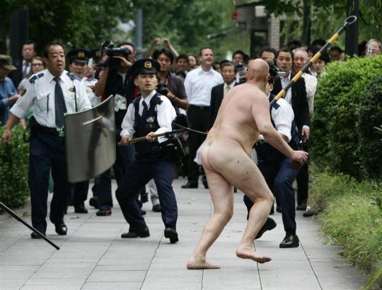 暴裸白人男
