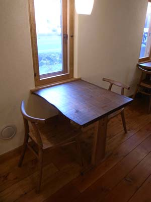 二人テーブル1