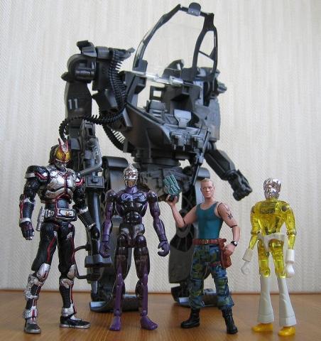 大きさ比較2:極魂 ミクロマン200X 大佐 旧ミクロマン