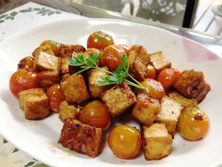 厚揚げとミニトマト・生姜醤油炒め