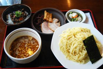 ひじきご飯のランチとつけ麺