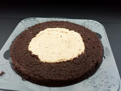 プレミアムチョコロールケーキ (3)