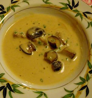 ジャガイモとポルチーニ茸のスープ