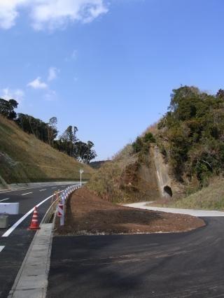 畑林道 トンネル1抜けるとそこは?