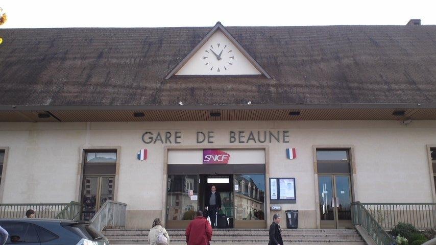 101114ボーヌ駅