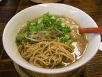 20100912さん源醤こく醤油ラーメン麺