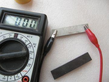 アルニコ磁石とフェライト磁石