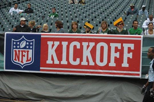 20100914 2010 NFL Kick off