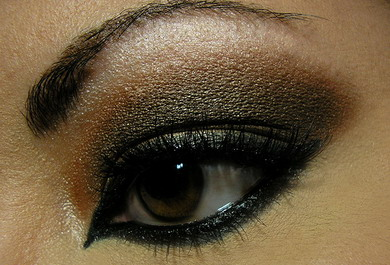 black-smoky-eye-makeupsssssssssssssss.jpg