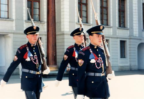 プラハ城衛兵行進1