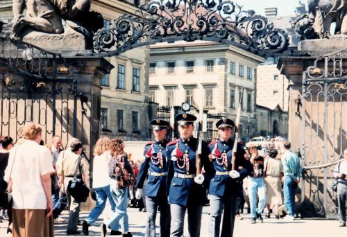 プラハ城衛兵行進3