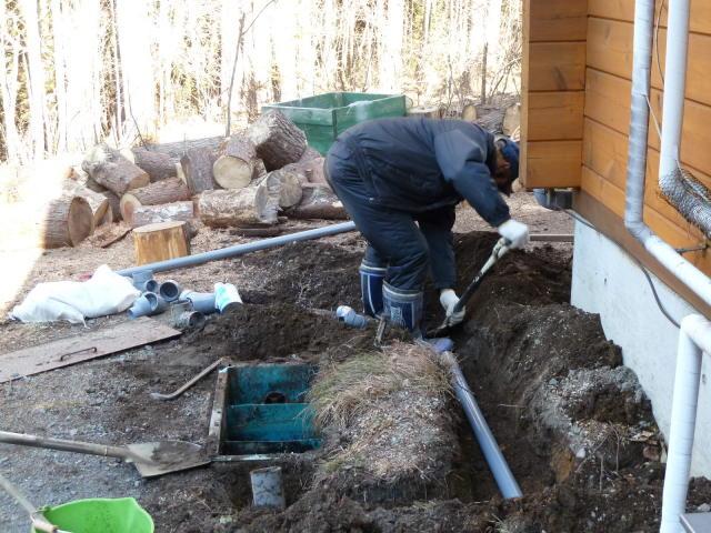 雑排槽配管処理作業
