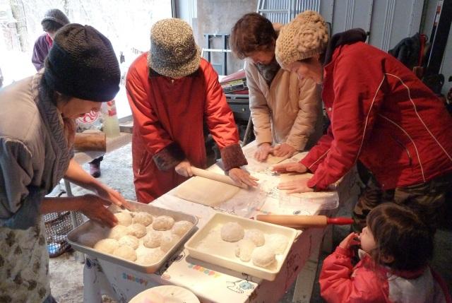 鏡餅と伸し餅を作る