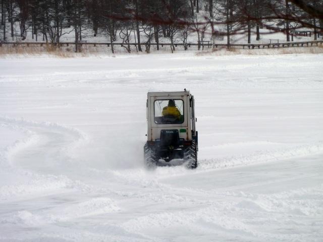 氷上コースの整備