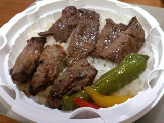 牛タン&ステーキ弁当 02