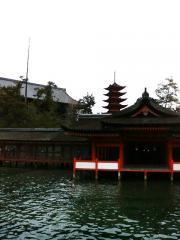 厳島神社(本殿)