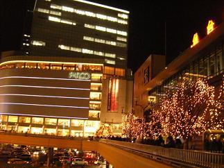 鮮やかな仙台駅前