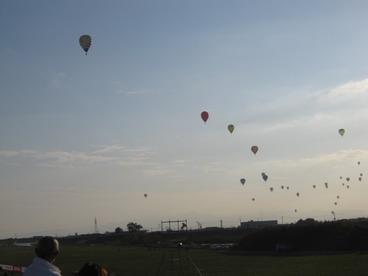 12競技が始まると南の空から次々湧いて出ます