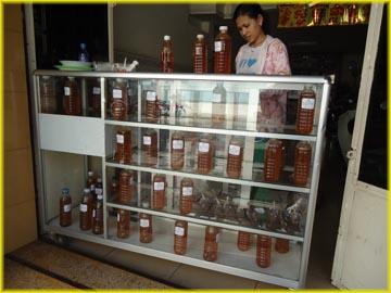 カンボジアの蜂蜜専門店