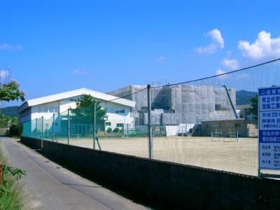 苓中体育館