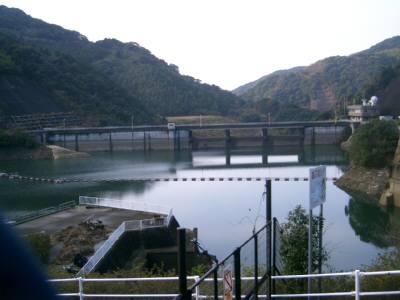 県営都呂々ダム