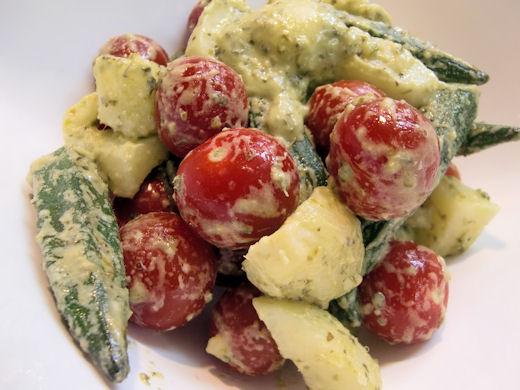 オクラジャガイモミニトマトのサラダ バジル風味