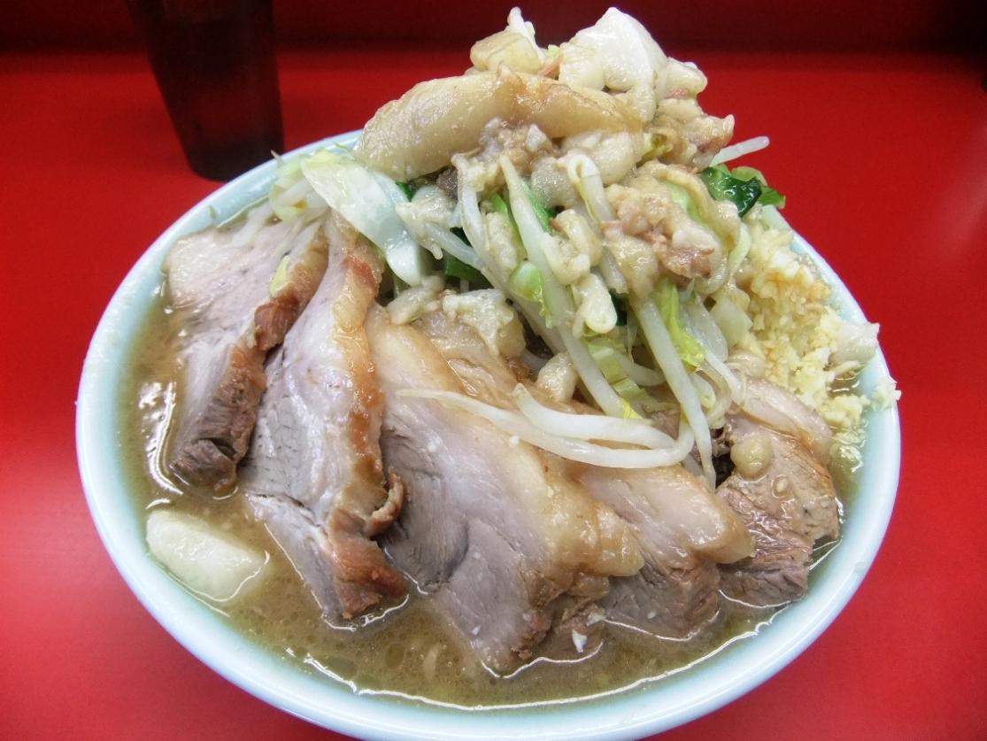 ラーメン二郎 中山駅前店:小ラーメン豚入(ヤサイニンニクアブラ) 10.12.12
