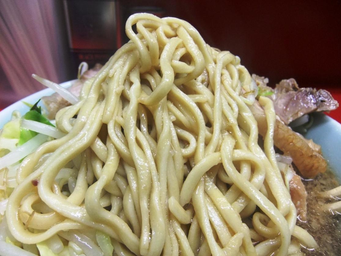 ラーメン二郎 中山駅前店:麺 11.01.15