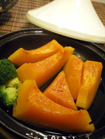 タジンでかぼちゃの蒸し煮