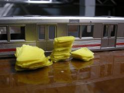 切り抜いたテープを貼り重ねたらこうなっていた