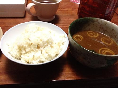 カニご飯と味噌汁