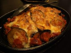 あらびきソーセージと茄子のトマトチーズ焼き