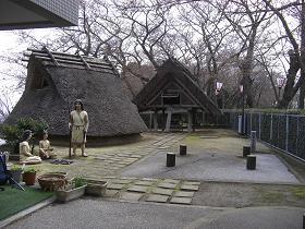 弥生時代の住居の復元