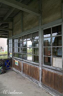 上堀駅(富山地方鉄道・上滝線)の木造駅舎