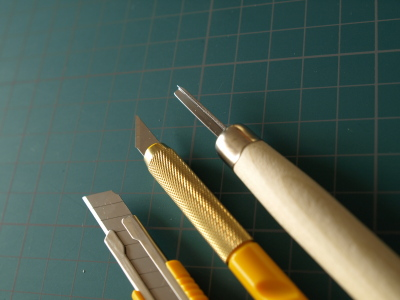 消しゴムはんこの道具。カッター、デザインナイフ、彫刻刀