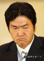 紳助_23日、会見の席で涙を浮かべる島田紳助さん(撮影・江口和貴)