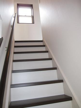 三階へ行く階段