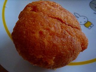 ベルナーレ(黄な粉ドーナッツ)