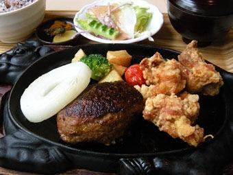 松坂ハンバーグと唐揚