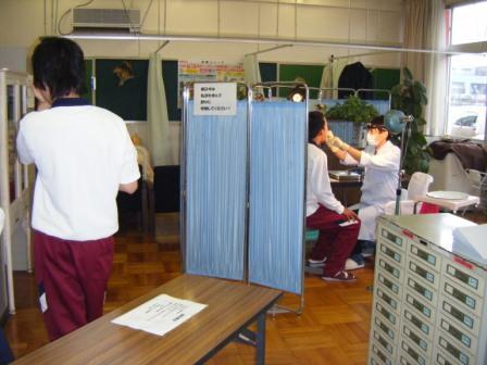 刈谷北高校の歯科健診②