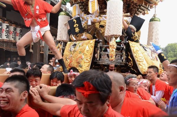 兵庫県高砂市  曽根天満宮の秋祭り  大人屋台宮入   梅井