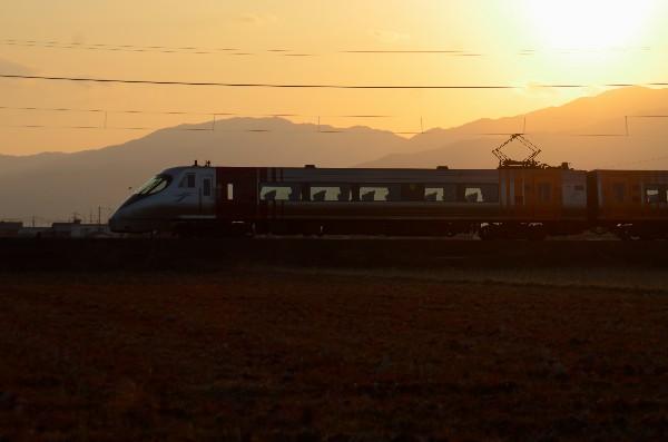 西条市石田 電車