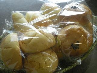 1か月遅れのパン祭り5月12日 005