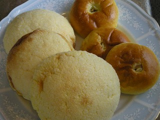 1か月遅れのパン祭り5月12日 010