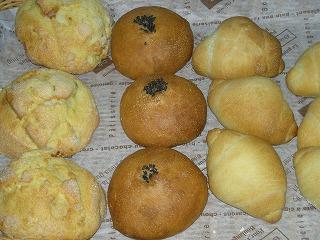 1か月遅れのパン祭り5月12日 001